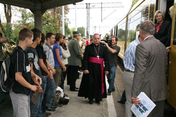 Watykan ukarał biskupa Rakoczego 4