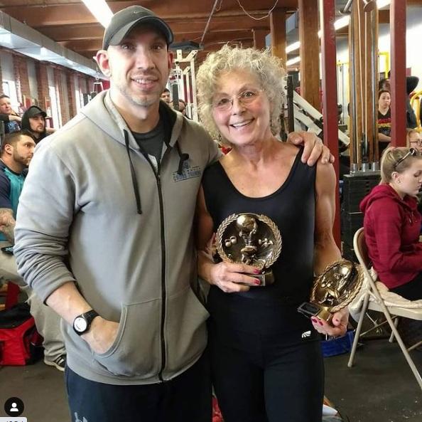 babcia została mistrzynią trójboju siłowego 4