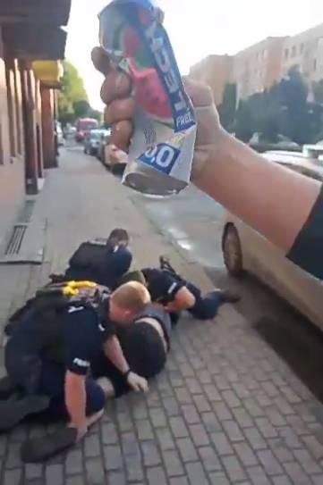 Policjanci obezwładnili mężczyznę