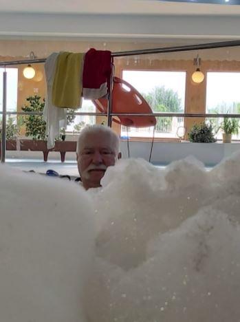 Lech Wałęsa odpoczywa