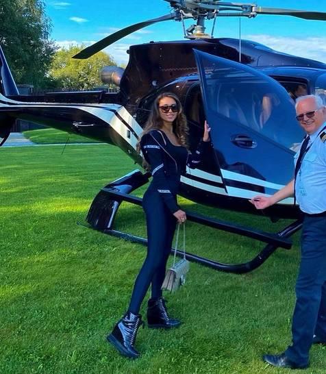 74-letni miliarder został ojcem